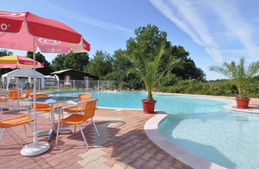 Camp redon camping familial avec piscine au sud de la france for Piscine redon